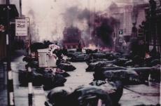 Finale corpi in strada